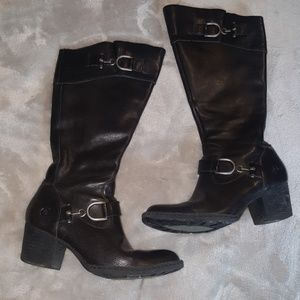 **Born D17703 Belted Buckle Calf Boot Brown 8.5